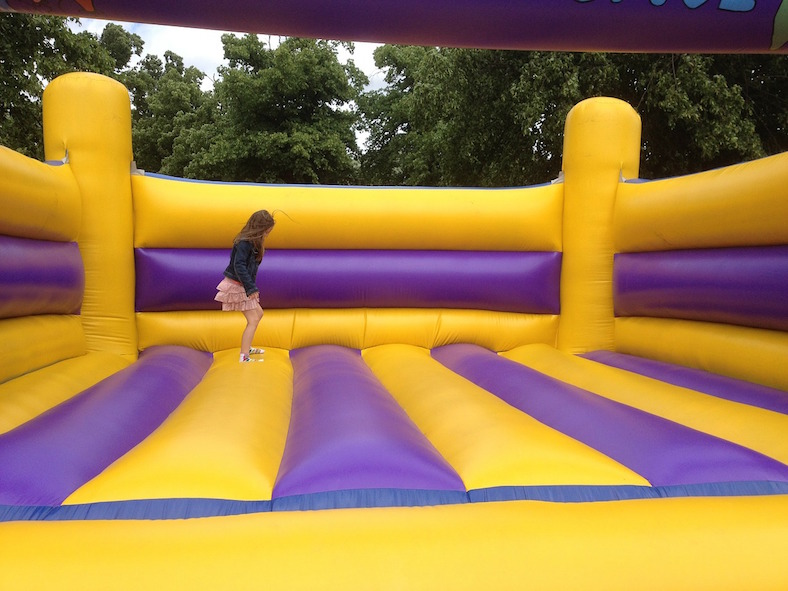 bouncing-castle-281046_788x591 copy