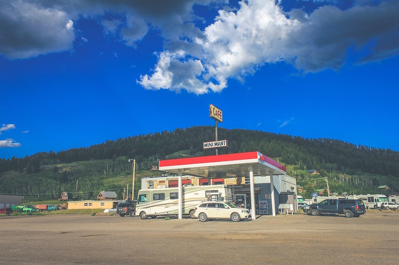 gas-station-863201_788x525 copy